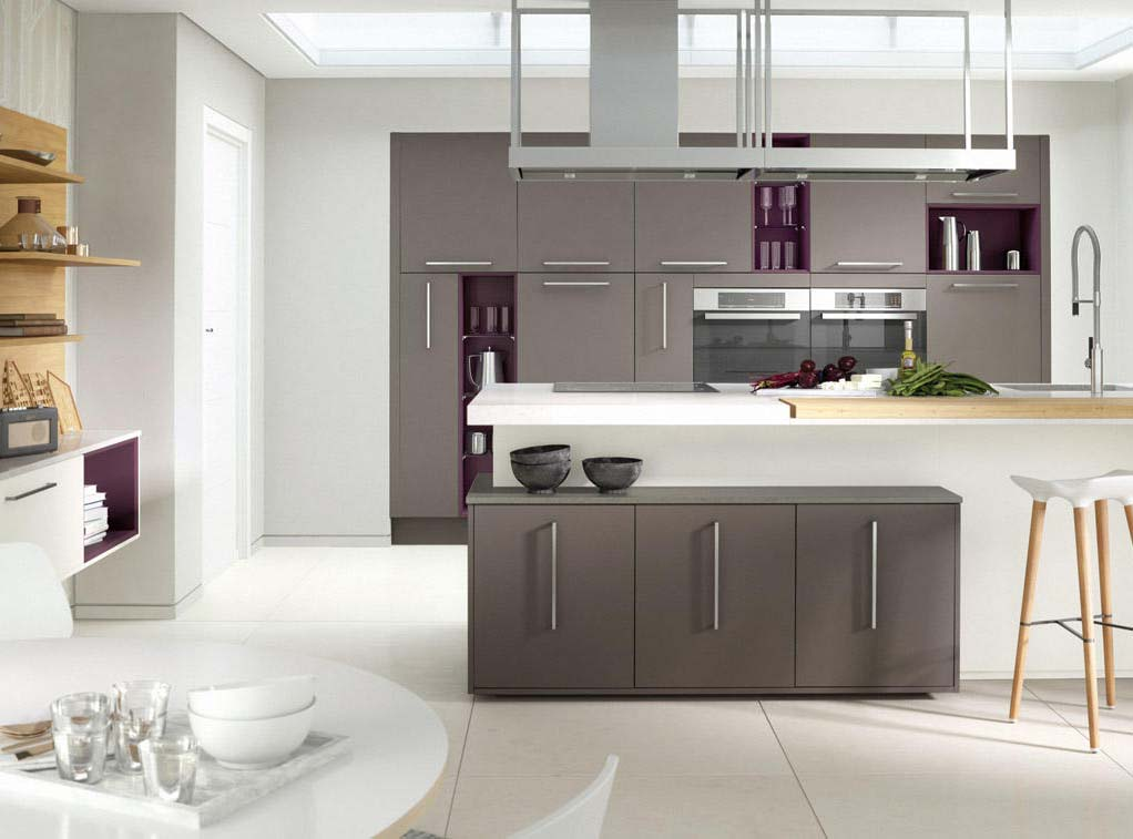 Modern Inzo The simplicity of the Inzo slab door and the lacquered finish makes for quick and easy cleaning