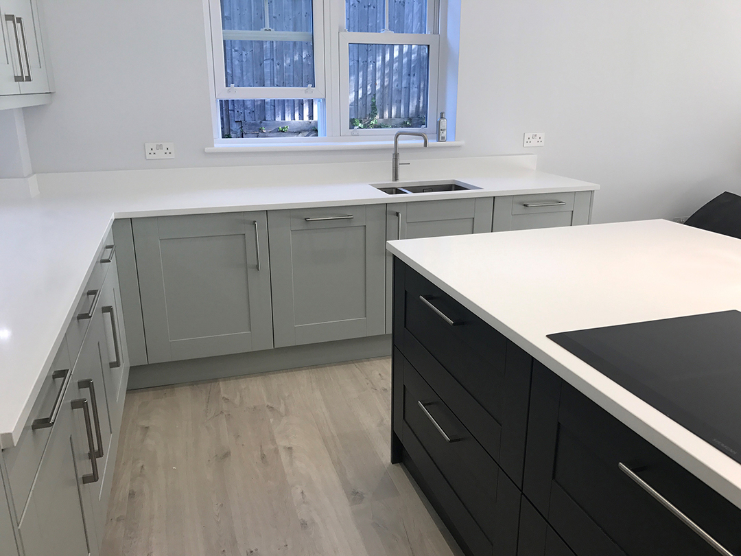 Second Nature Broadoak Kitchen with painted doors and Quartz worktop
