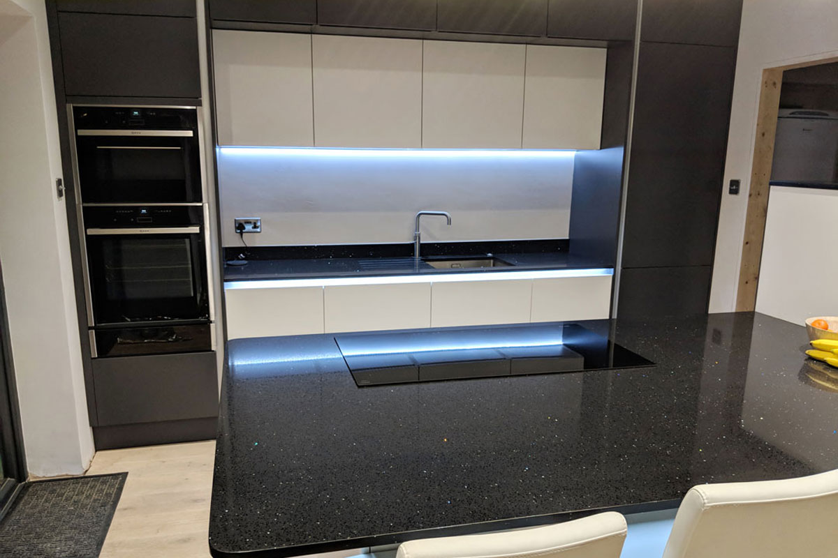 Porter Second Nature Kitchens installed in Christchurch, Dorset - Designed by Meridien Interiors
